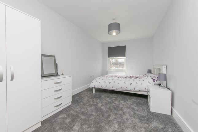 2 bed flat for sale in Station Road, Sudbury CO10