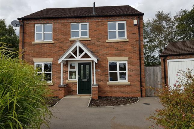 Thumbnail Property to rent in Hill Close, Brownhills, Walsall