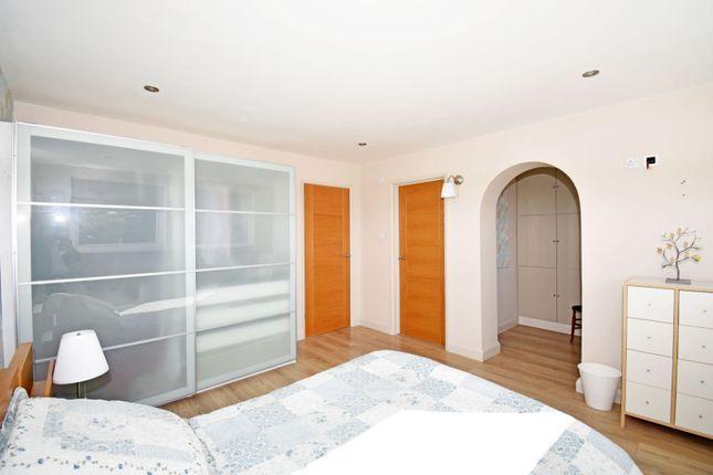Master Bedroom of Mapledrakes Close, Ewhurst GU6