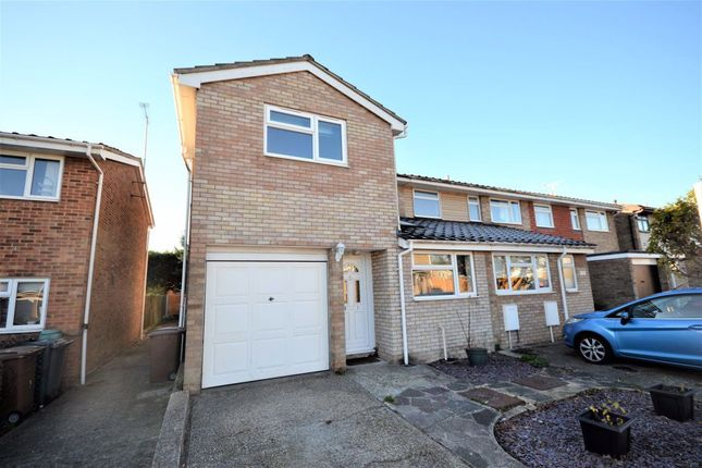 84 bed property to rent in Wallasea Gardens, Springfield CM1
