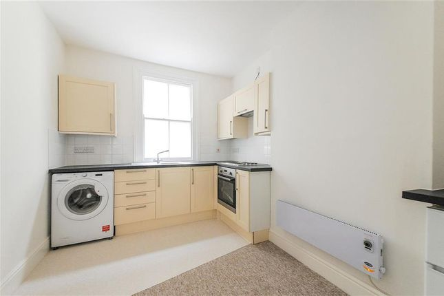 Thumbnail Flat to rent in Market Place, Chippenham