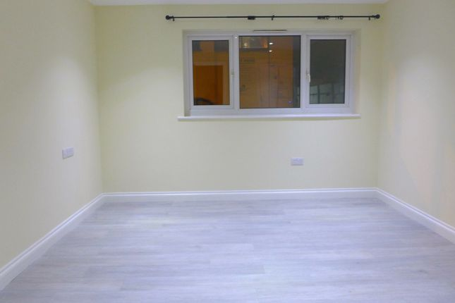 Thumbnail End terrace house to rent in Cottage Green, London