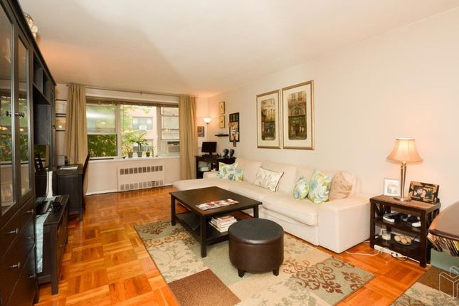 Thumbnail Apartment for sale in 525 West 236th Street 1E, Bronx, New York, United States Of America
