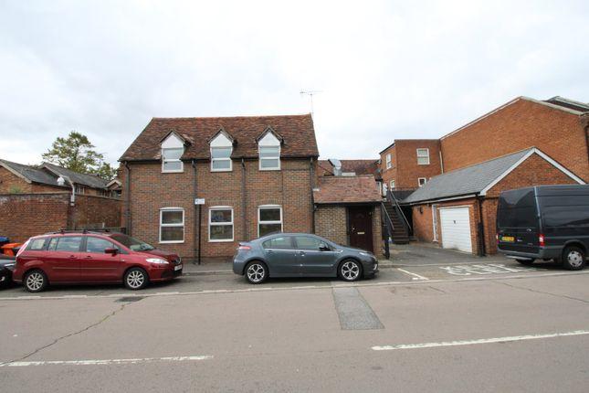 Thumbnail Maisonette to rent in High Street, Stevenage