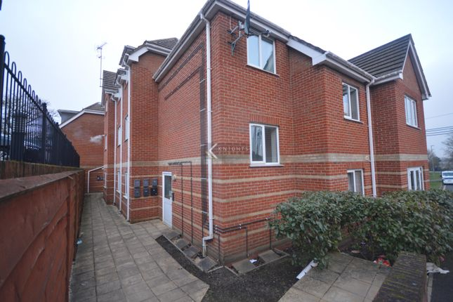 2 bed flat to rent in Bursledon Road, Hedge End, Southampton SO30