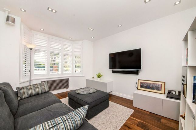 Snug / Office of Calmont Road, Bromley BR1
