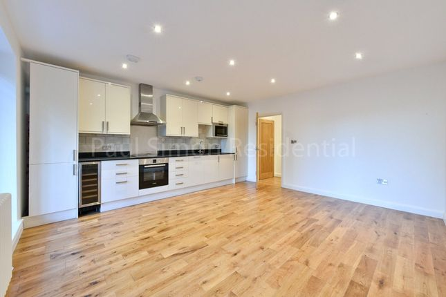 Thumbnail Flat for sale in Lascotts Road, Wood Green, London