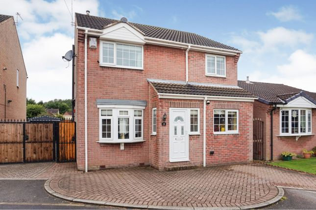 Thumbnail Detached house for sale in Broadwater Drive, Dunscroft, Doncaster