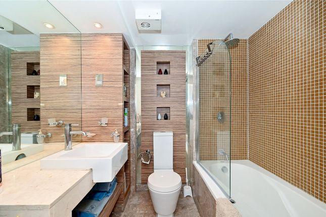 Bathroom of City Tower, 3 Limeharbour, Canary Wharf, London E14