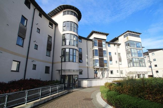 Flat to rent in Seacole Crescent, Swindon