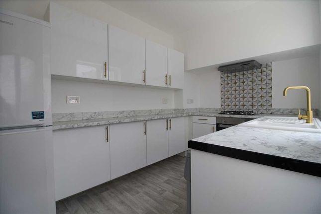5 bed semi-detached house to rent in Alwoodley Lane, Alwoodley, Leeds LS17