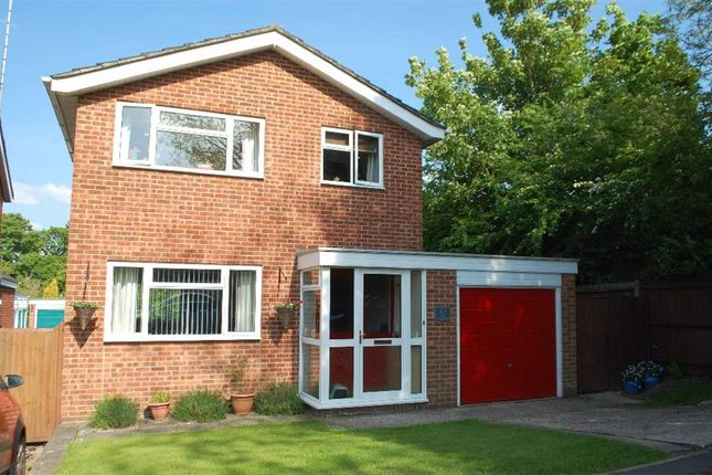 3 bedroom detached house for sale in Herewood Close, Newbury