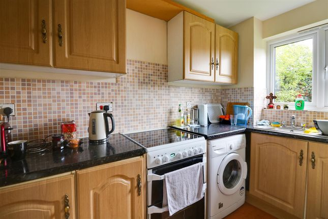 Kitchen of Porter Close, Grays RM20