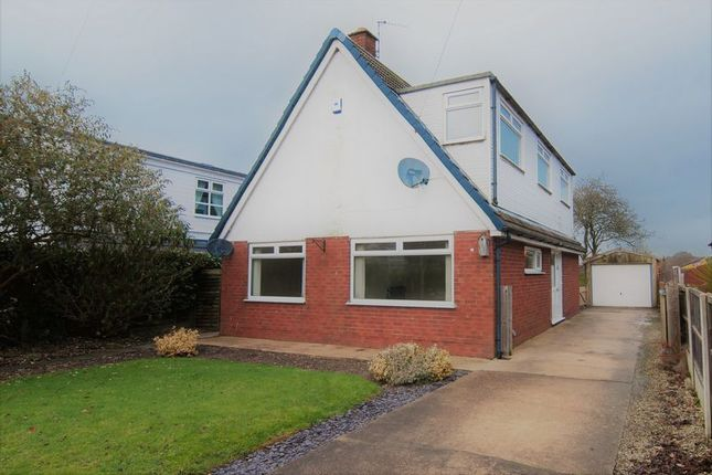 Thumbnail Detached bungalow for sale in 33 The Warings, Heskin