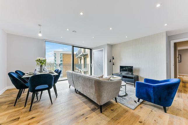 Thumbnail Flat for sale in The Whitgift, Croydon