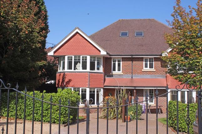 Thumbnail Semi-detached house for sale in Bassett Crescent East, Southampton