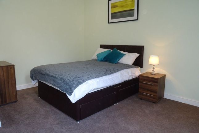 Thumbnail Room to rent in Rm 2, Lincoln Road, Peterborough.
