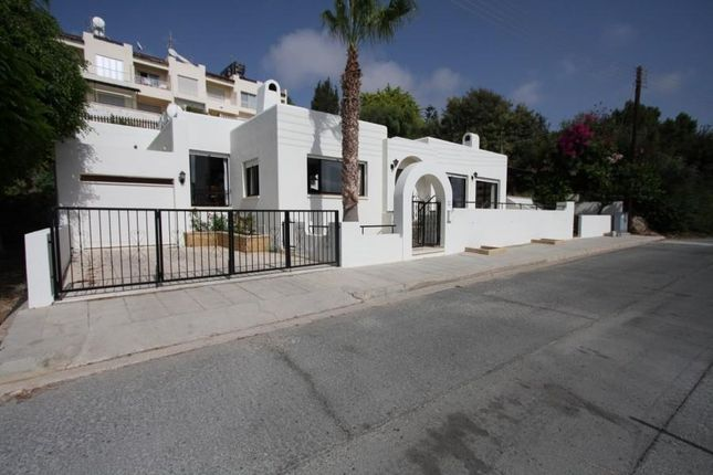 4 bed detached house for sale in Chlorakas, Paphos, Cyprus