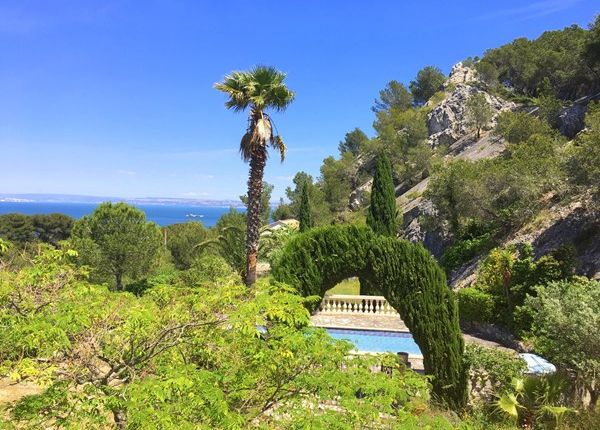 4 bed property for sale in 13500, Martigues, Fr