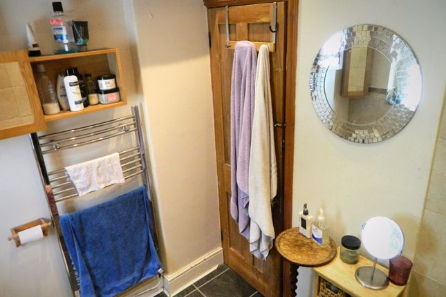 Bathroom2 of Lisvane Street, Cathays, Cardiff CF24