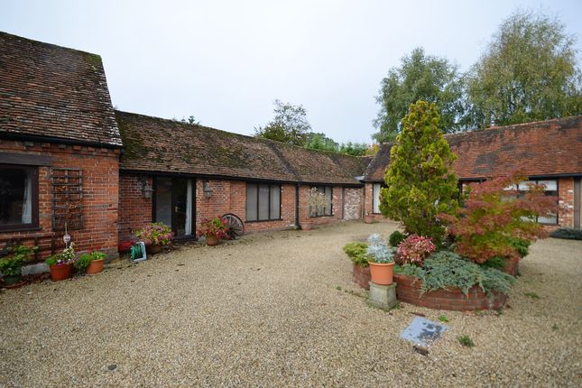 Thumbnail Detached house to rent in Farnham