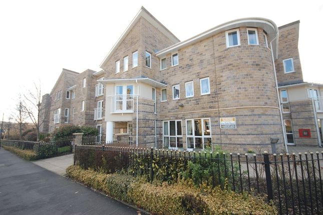 Thumbnail Flat for sale in North Road, Glossop