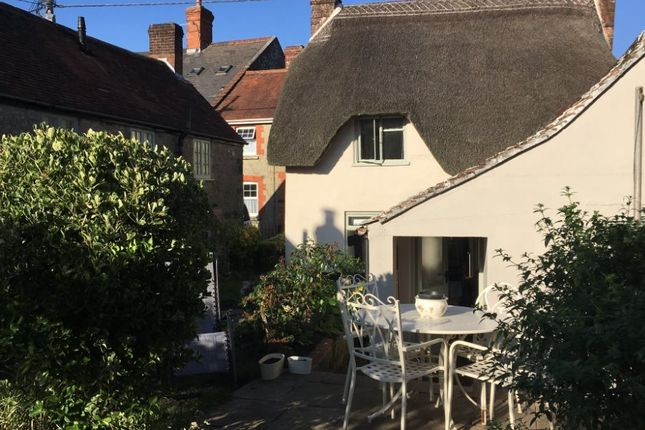 1 bed detached house to rent in Victoria Street, Shaftesbury, Dorset SP7