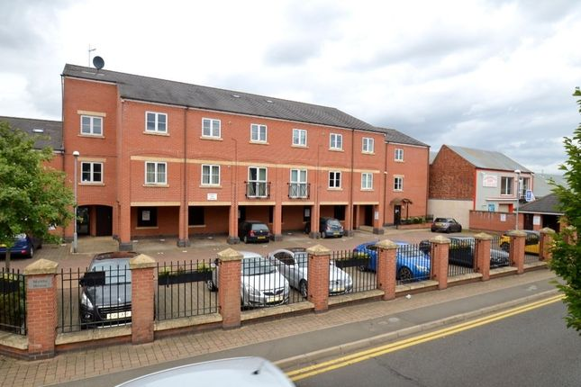 Thumbnail Flat for sale in Queen Street, Kettering