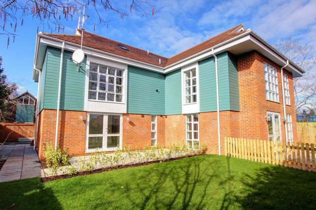 Thumbnail Flat for sale in Portersbridge Mews, Central Romsey, Hampshire