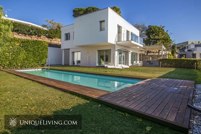 Thumbnail Villa for sale in Costa Barcelona, Barcelona, Spain