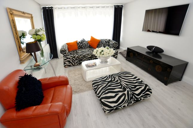 Thumbnail Flat for sale in Willow Court, Ash Vale