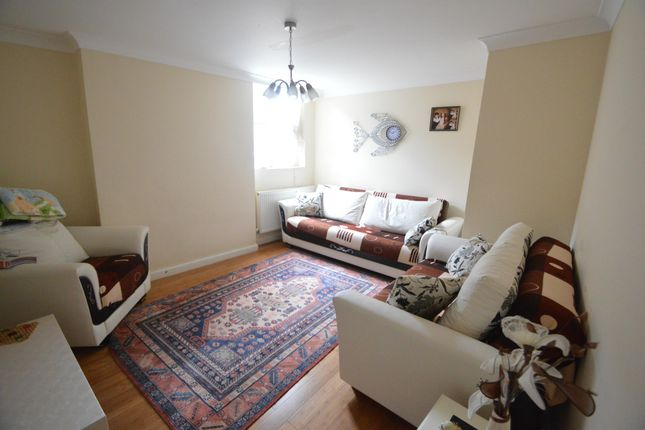 Thumbnail Flat for sale in Palace Gates Road, Alexandra Park, London