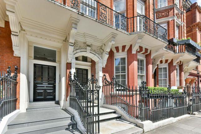 Thumbnail Flat for sale in Green Street, London