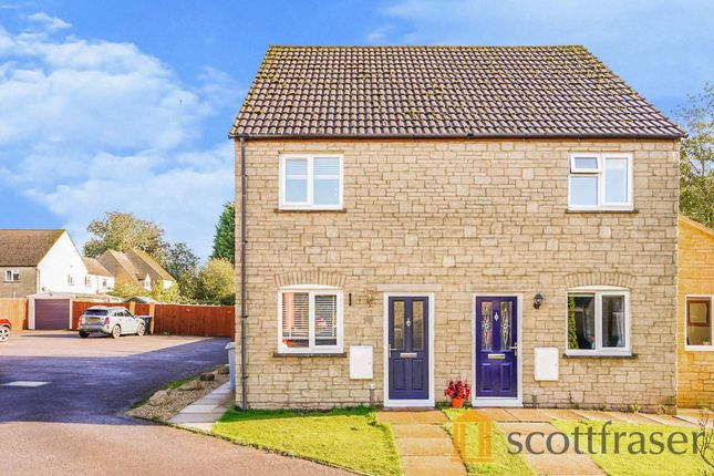 2 bed semi-detached house to rent in Barrington Close, Witney OX28