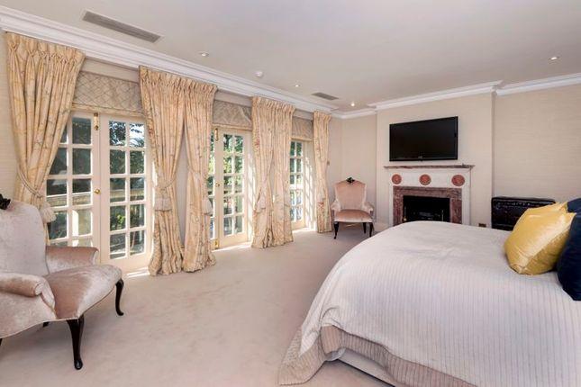 Maser Bedroom Sleeping Area