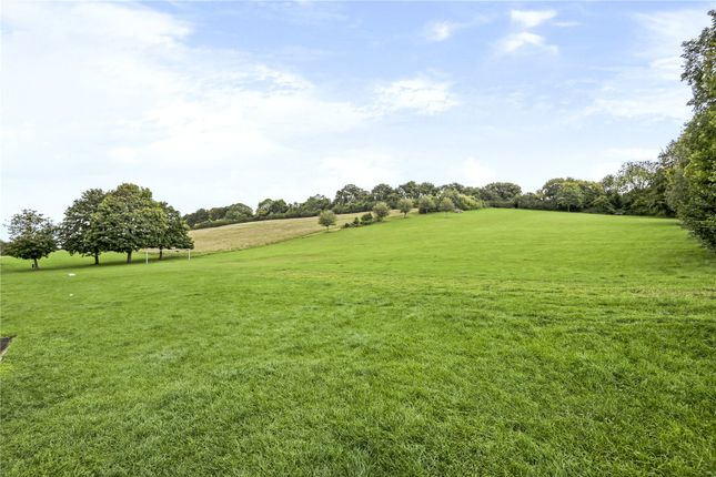 Picture No. 11 of Nashleigh Hill, Chesham, Buckinghamshire HP5