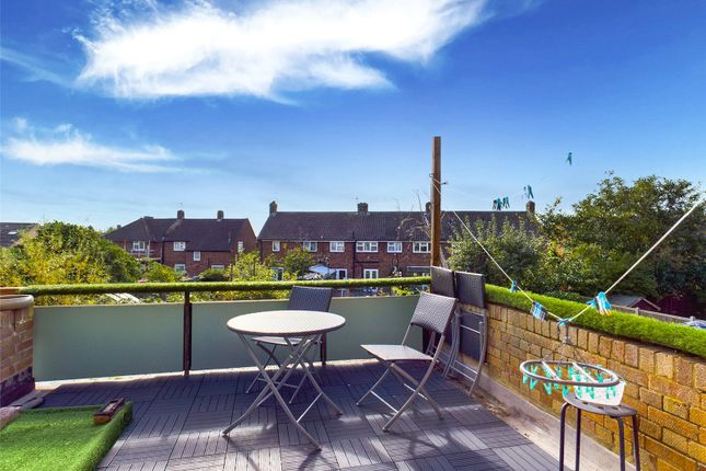 2 bed flat for sale in Cambria Gardens, Stanwell, Middlesex TW19