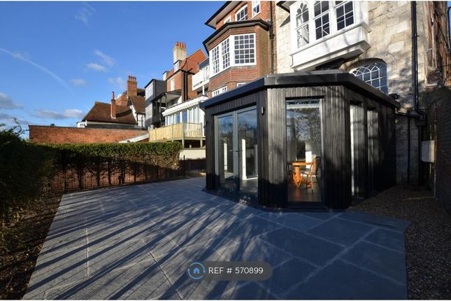 Thumbnail Flat to rent in Quarry Street, Guildford