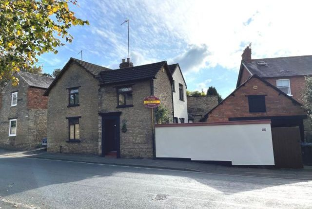 Thumbnail Cottage for sale in High Street, Roade, Northampton