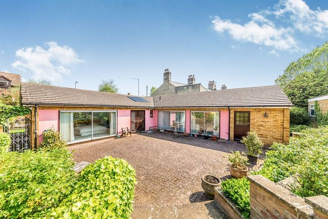 Thumbnail Detached bungalow for sale in Garden Lane, Royston