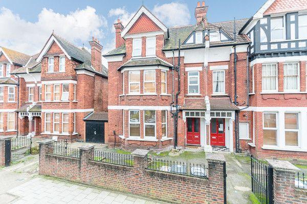 Thumbnail Studio to rent in Gleneldon Road, Streatham