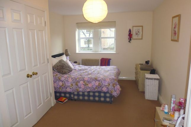 Thumbnail Flat to rent in Beechwood Court, Leeds