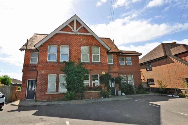 2 bed flat for sale in New Road, Hellingly, Hailsham BN27