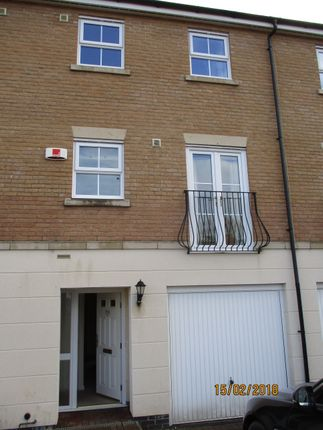 Thumbnail Town house to rent in Graffham Drive, Oakham