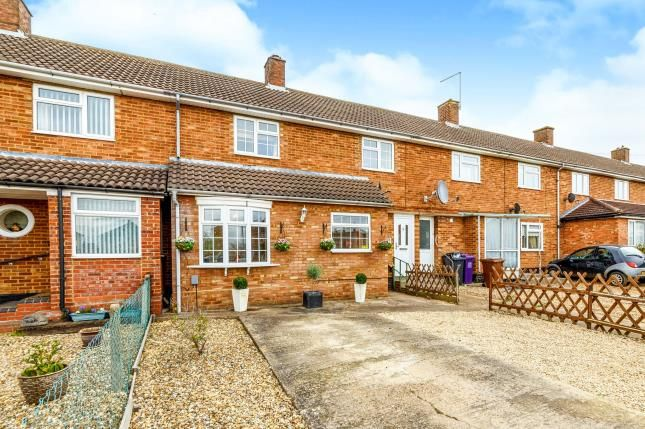 Thumbnail Terraced house for sale in Stoneley, Letchworth Garden City, Hertfordshire, England