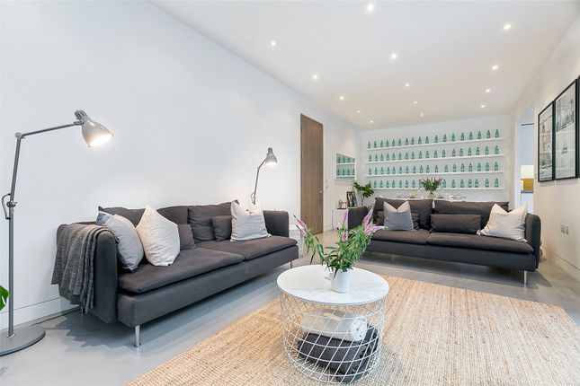 Thumbnail Detached house to rent in Oval Road, London