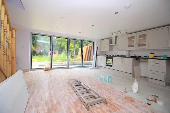 Thumbnail Terraced house to rent in Bruce Avenue, Hornchurch