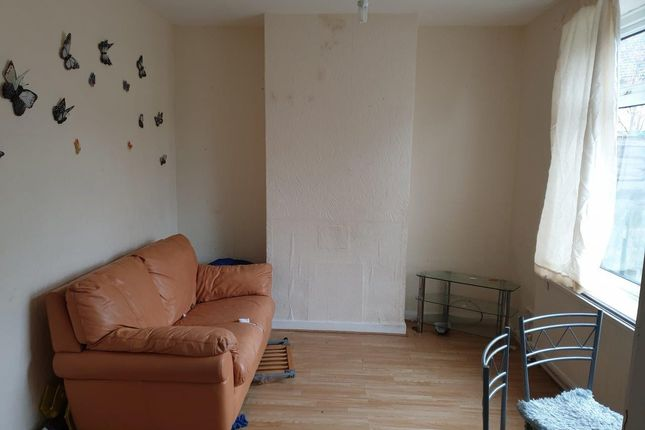 10, Lanchester Road, Middlesbrough, Cleveland, Ts6 7Hf  (25)