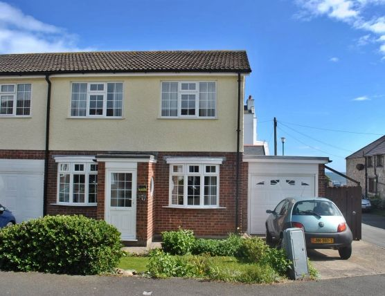 3 bed property for sale in Pickard Close, Castletown