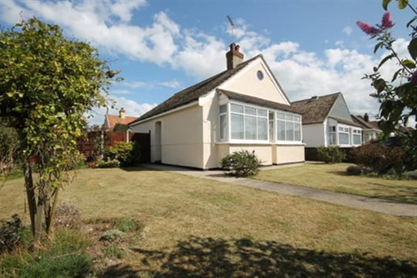 Thumbnail Bungalow for sale in Lyndhurst Road, Holland-On-Sea, Clacton-On-Sea